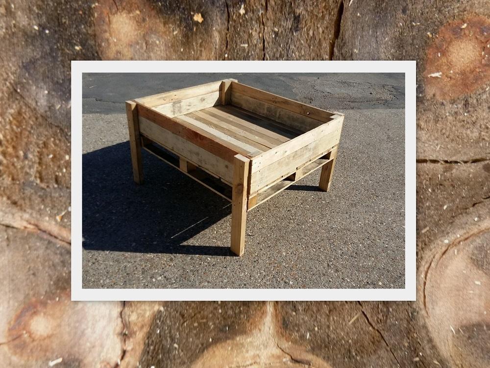 carr potager sur lev de dimensions 100x100x20 cm en bois recycl partir de 49. Black Bedroom Furniture Sets. Home Design Ideas
